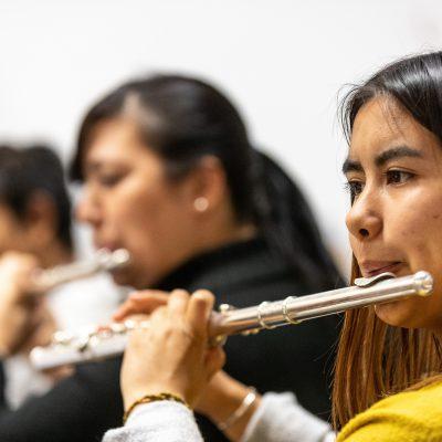 Dulce: Hier Musik zu lernen hat mir geholfen ein besserer Mensch zu werden, voller Freude, Ruhe und Kraft, um das tun zu können was mir wirklich gefällt, Flöte spielen!